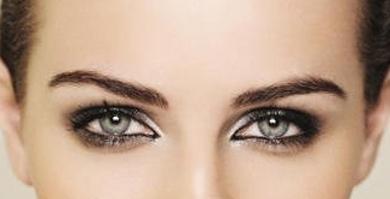 Праздничный макияж - Сексуальний серпанок на очах