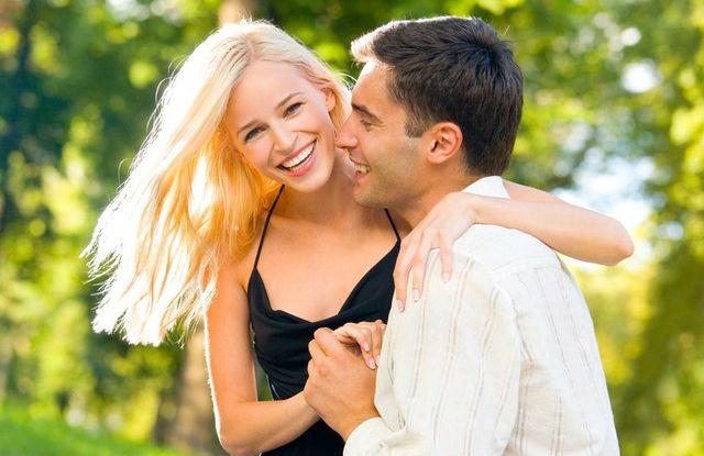 Чоловік зізнається в коханні