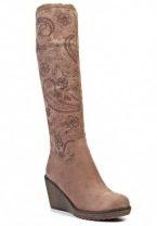 Жіночі чоботи бежевого кольору